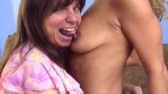 School Girl And Mature Mom Sex Bisexual